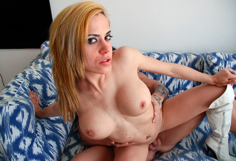 big2 Desnudándose por Sitges