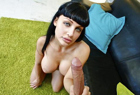 Aletta debuta en la folloneta