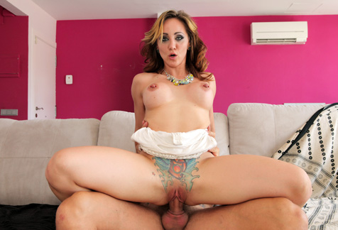 Betty Foxxx: el MILFlagro antipajas