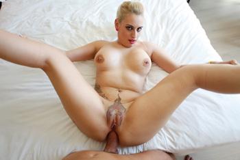 Candela X, une des pornstar espagoles les plus salope du moment