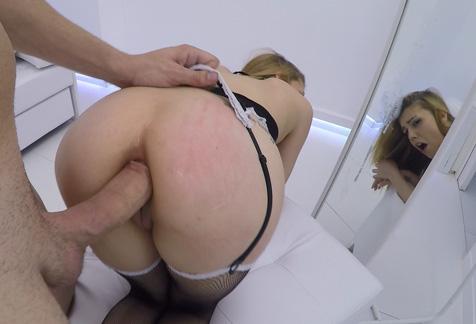 El primer anal de Daniela Dadivoso