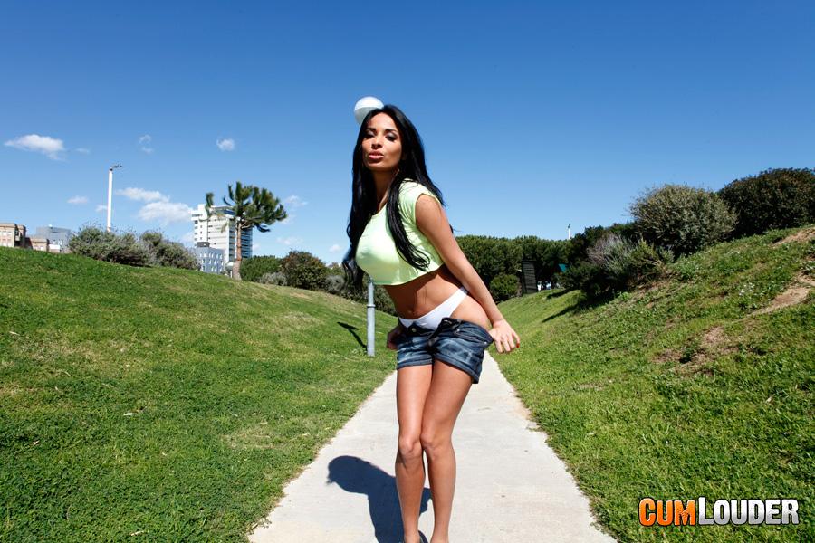 Жесткий и анальный секс для Anissa Kate