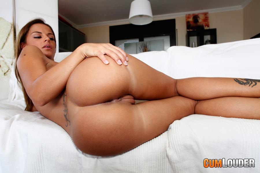 Black Angelika ощастливит парня анальным сексом