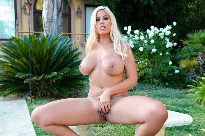 foto3 Nuevo video porno en español de Bridgette B